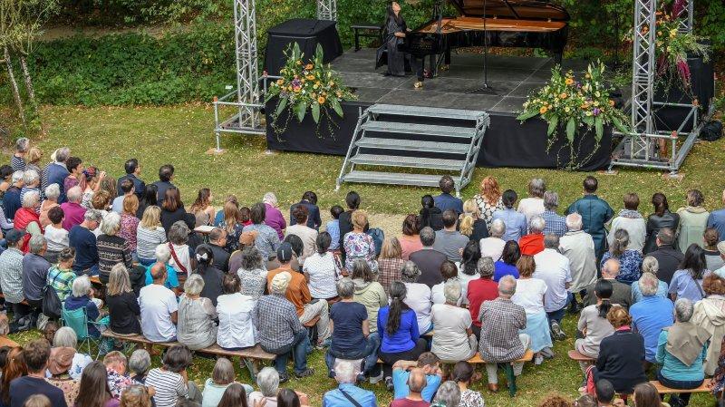 Les 20 ans du Jardin botanique ont trouvé un public nombreux.   Photo: Christian Galley