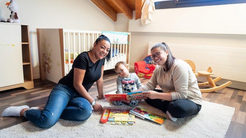 Deux employées de crèche se lancent dans le babysitting nocturne à la Fête des Vendanges