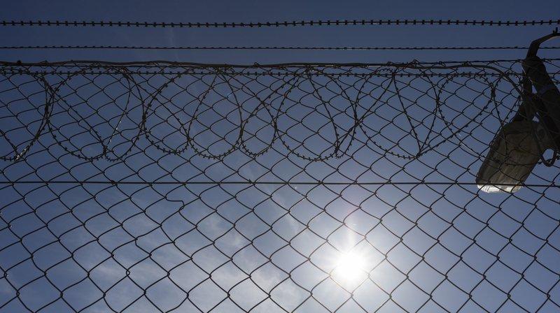 Criminalité: le Conseil fédéral va réexaminer la peine de prison à vie en vue d'un durcissement