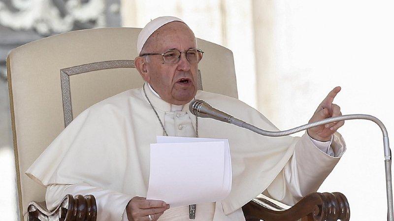 Abus sexuels dans l'Eglise catholique: le pape convoque tous les évêques du monde au Vatican