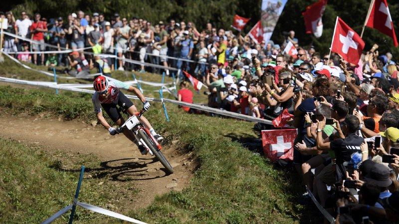 VTT: Nino Schurter champion du monde de cross-country, chez lui, à Lenzerheide