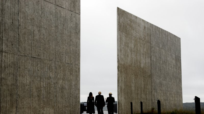 """Attentats du 11 septembre: Donald Trump loue les """"héros"""" du vol 93"""
