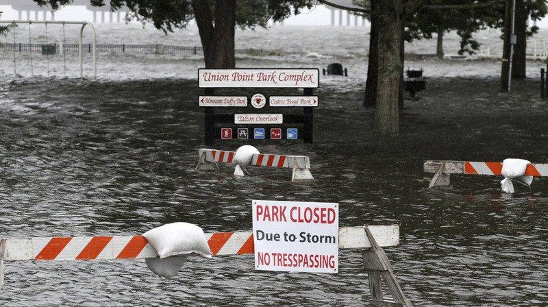 États-Unis: l'ouragan Florence rétrogradé en catégorie 1, inondations en Caroline du Nord