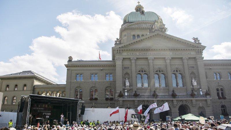 """Berne: la """"Marche pour la vie"""" a mobilisé 1500 anti-avortement"""