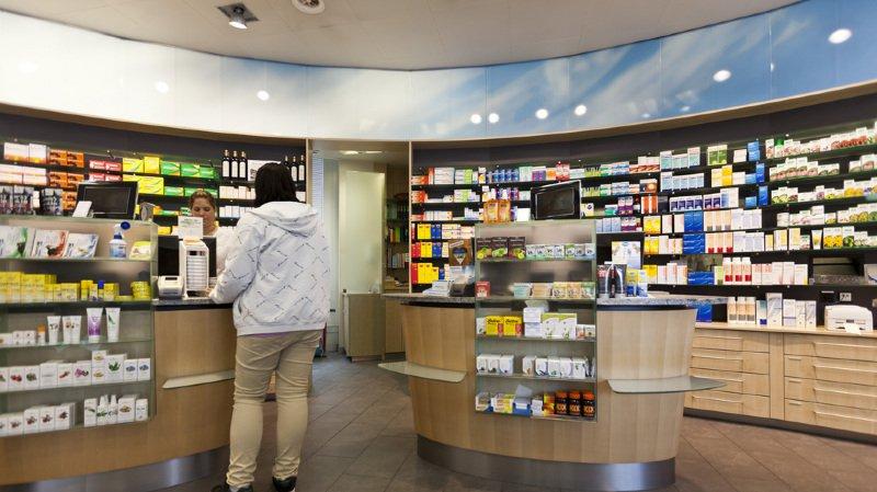 Certains médicaments sur ordonnance, pour le rhume des foins par exemple, pourront être distribués par les pharmacies.