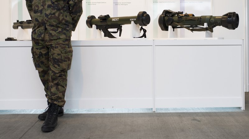 Exportation d'armes: le Parlement devrait décider à la place du Conseil fédéral