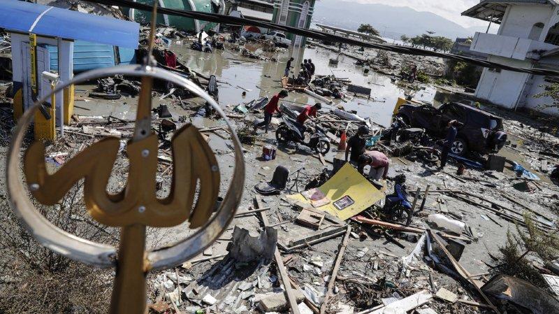 Indonésie: le bilan du séisme suivi du tsunami passe à plus de 800 morts et va s'alourdir
