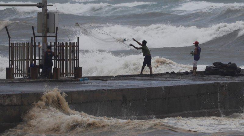 Mangkhut,  le typhon le plus violent de l'année