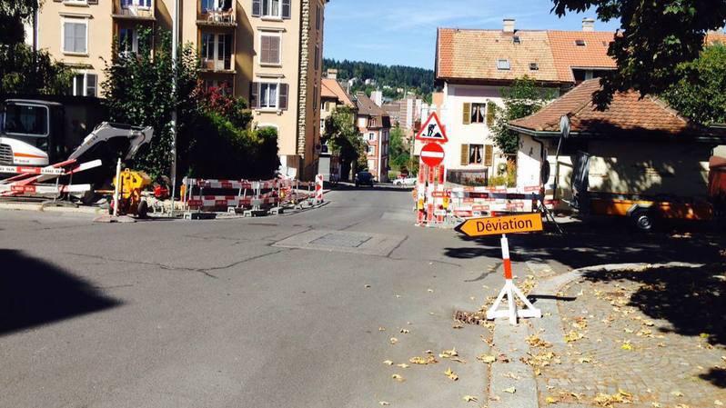 La rue du Grenier est interdite à la descente.