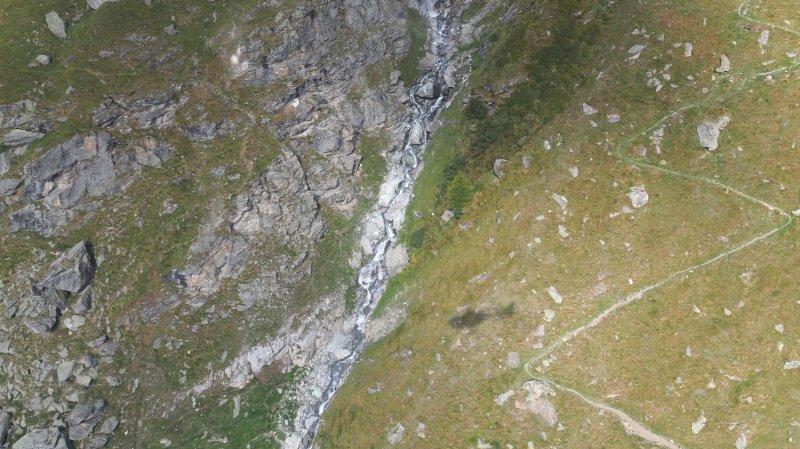 Le corps de la victime a été découvert dans un torrent, à 2100 mètres d'altitude.