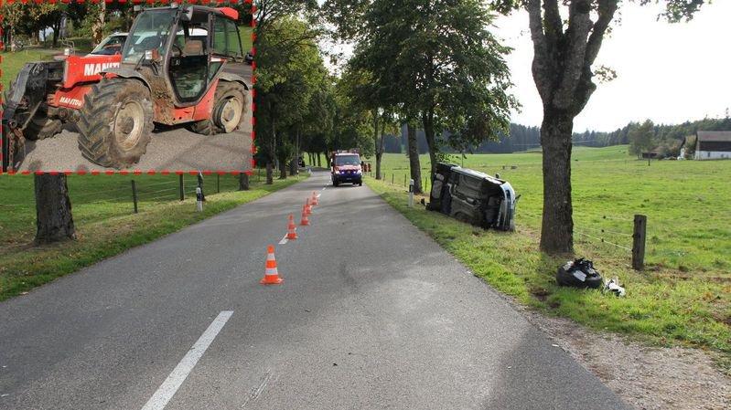 Un automobiliste perd le contrôle et percute un tracteur sur le flanc gauche