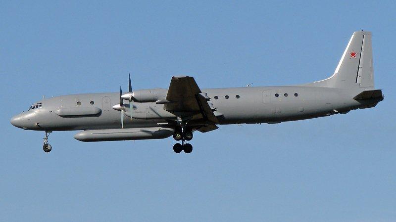 Syrie: l'armée de Bachar el-Assad abat par erreur un avion de reconnaissance russe avec 15 personnes à bord