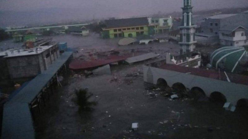 Indonésie: séisme de 7,5 suivi d'un tsunami qui a frappé la ville de Palu