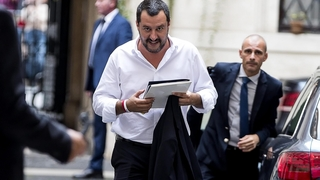 L'Italie vote une loi pour limiter l'accueil des migrants