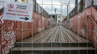 Passerelle de la gare déjà fermée