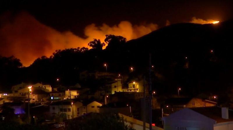 Portugal: l'incendie qui menace la zone de Sintra, près de Lisbonne, est maîtrisé