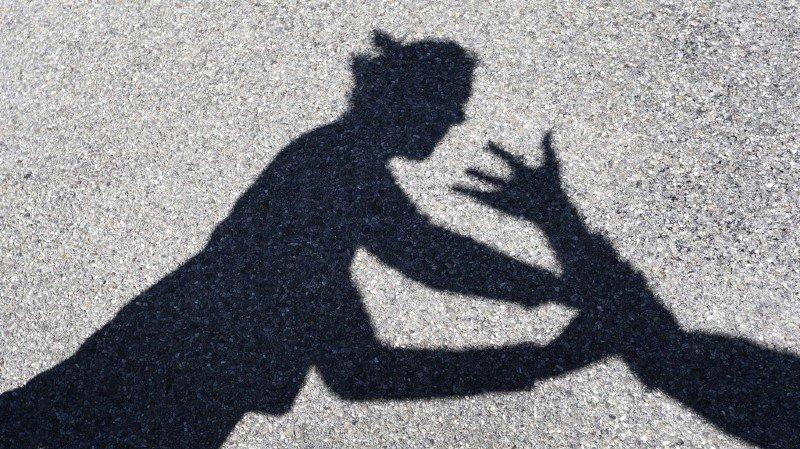 Violence domestique: la majorité des victimes sont des femmes et elles sont souvent étranglées