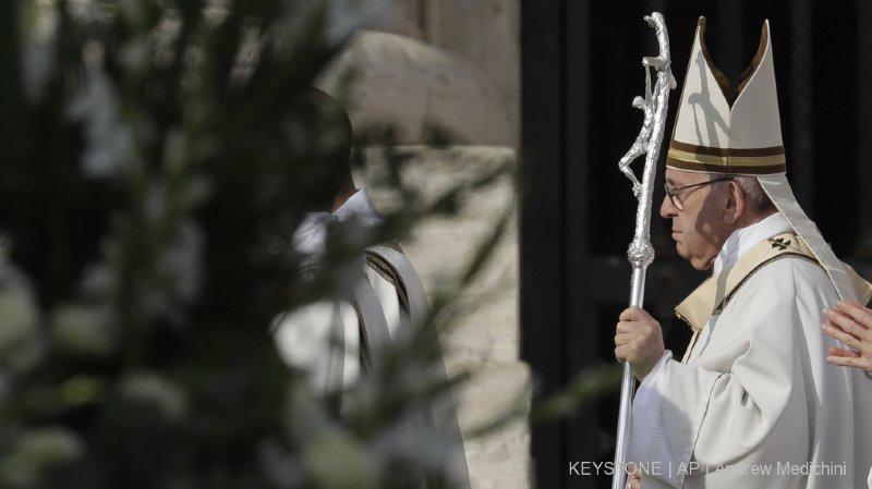 Eglise catholique: le pape François canonise Paul VI et Oscar Romero