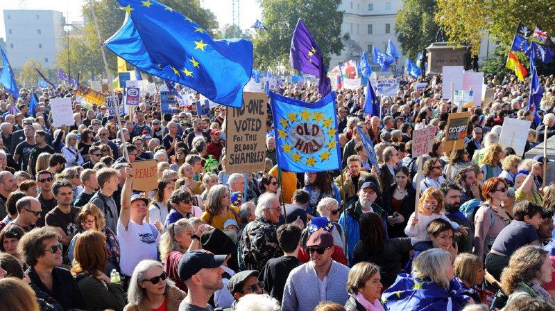 Brexit: près de 700'000 personnes rassemblées à Londres pour réclamer un second référendum