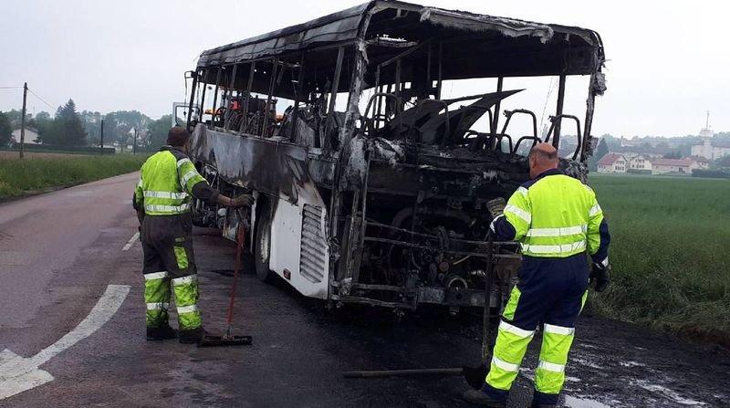 Car incendié en Ajoie: un véhicule de la même société a déjà pris feu en France