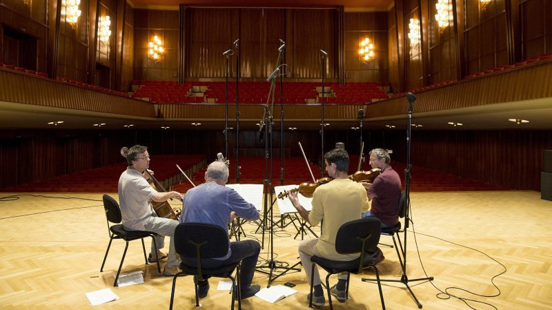 Le Quatuor Sine Nomine enregistre à La Chaux-de-Fonds dans une Salle de musique à l'acoustique excellente