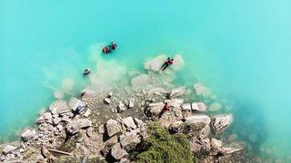 Six Neuchâtelois ont plongé dans un lac sacré d'Himalaya