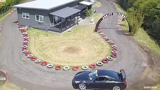 Un Néo-Zélandais a construit une piste de course autour de sa maison
