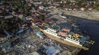 Indonésie: un séisme et un tsunami font plus de 1000 morts