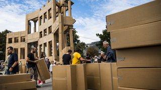 Vevey: 1300 cartons et 25 km de scotch pour une sculpture éphémère