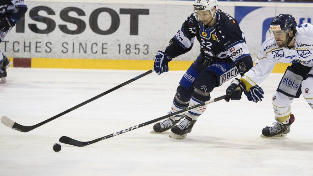 Raphaël Erb (en bleu) va tout faire pour rejouer au hockey en 2019.