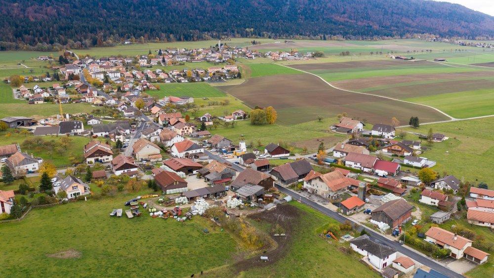 La commune de Val-de-Ruz doit réduire sa zone à bâtir de 10,5 hectares: le village de Savagnier est principalement touché par cette mesure.