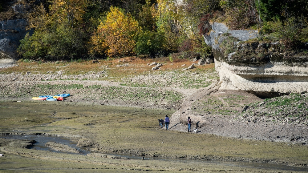 Entre midi et deux, hier, du côté de Chaillexon, un enfant s'est retrouvé coincé dans la boue.