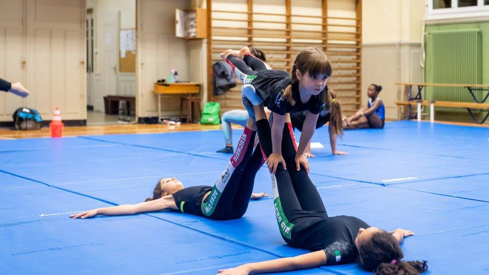 Les gymnastes du club sont essentiellement des filles âgées de 4 à 14 ans.