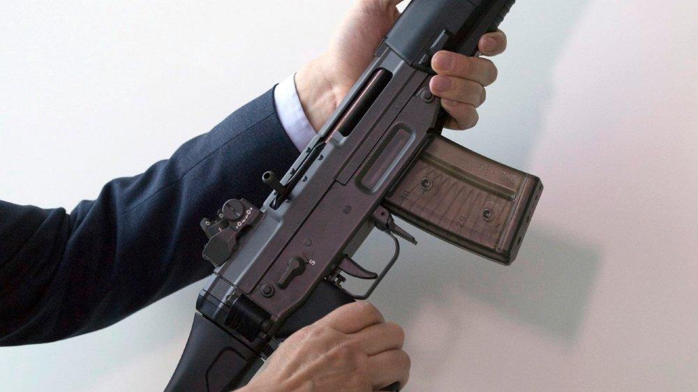 Selon l'institut australien Ares, des fusils d'assaut suisses SG 552-2 se vendraient au marché noir dans la capitale du Yémen.