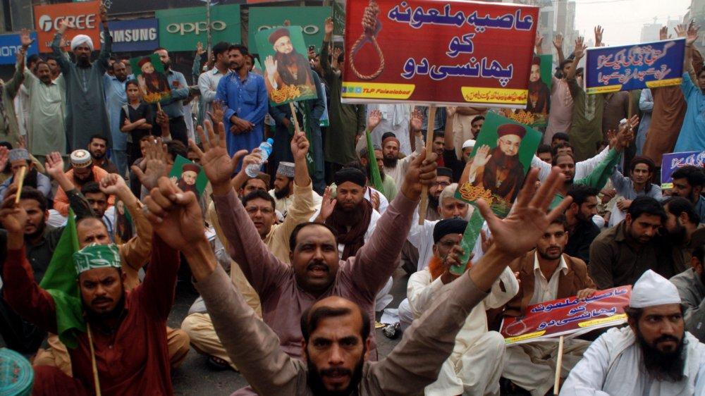 Les islamistes n'ont pas voulu tendre l'oreille aux subtilités juridiques. Hier, ils ont multiplié les manifestations à travers le pays pour exiger  la pendaison d'Asia Bibi.