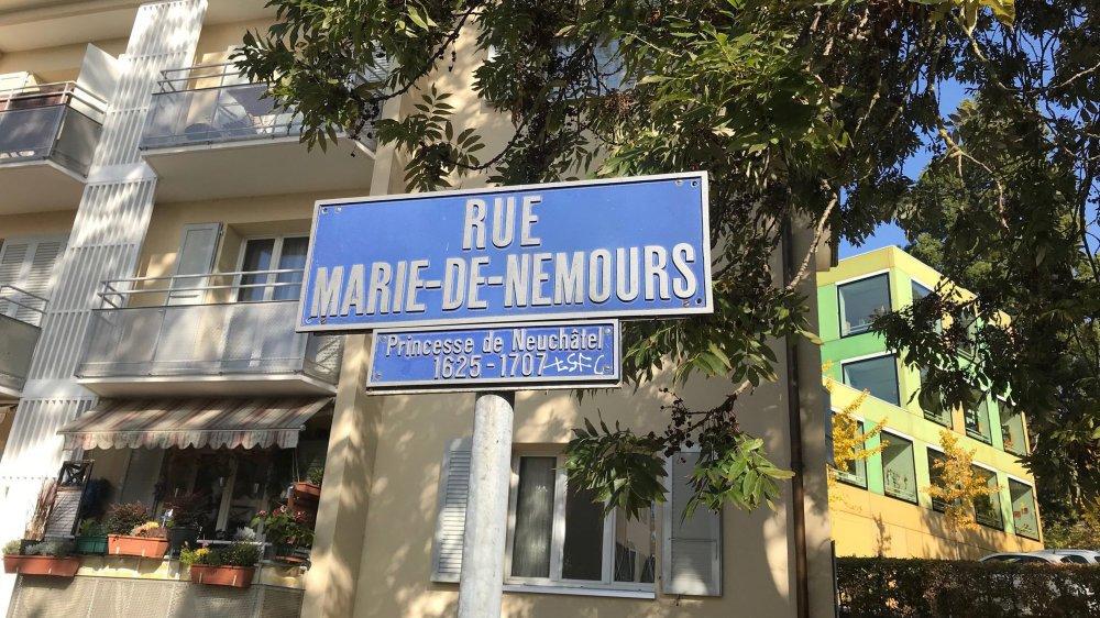 Les rues des deux principales neuchâteloises manquent cruellement de figures féminines.