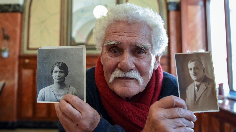 Charles de la Reussille montre les photos de sa grand-mère Julia et de son grand-père Charles-Edouard, qui a vécu la Première Guerre mondiale à Charquemont.