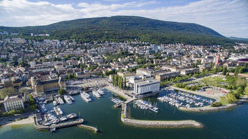 Les môles est et sud-ouest du port principal de Neuchâtel menacent de s'effondrer.