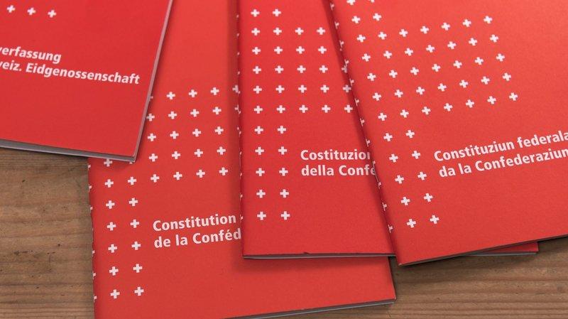 L'initiative pour l'autodétermination propose une nouvelle approche pour les cas de conflits entre la Constitution fédérale et les traités internationaux conclus par la Suisse.