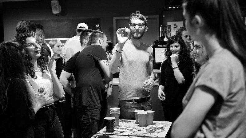 """Le plus grand """"Beer Pong"""" neuchâtelois organisé par des étudiants en... sport"""
