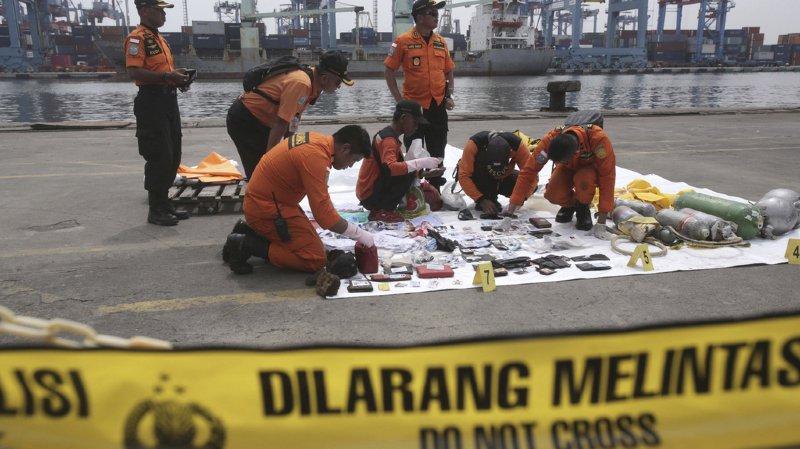 Indonésie: les recherches de l'avion de Lion Air se poursuivent