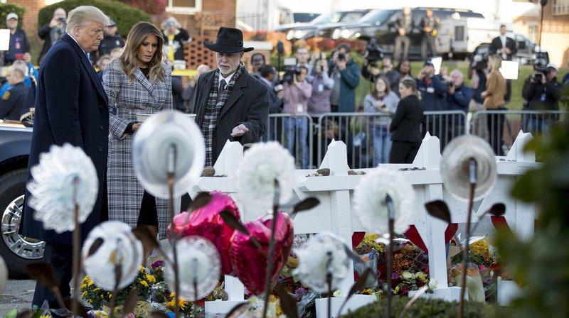 Le président américain et sa femme ont rendu hommage aux victimes.