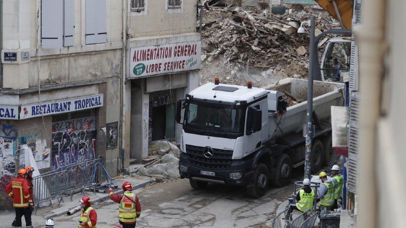 Immeubles effondrés à Marseille: un septième corps découvert, logements menaçants évacués