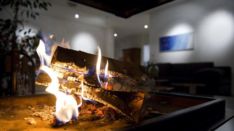 La saison des feux dans la cheminée a commencé: attention aux incendies dans votre salon!