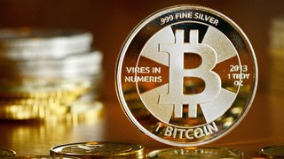 Cryptomonnaie: le bitcoin fête ses 10 ans