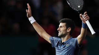 Tennis - Paris-Bercy: Djokovic bat Cilic en 3 sets et s'offre une 21e victoire d'affilée