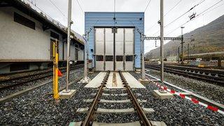 Halle de lavage extérieur des trains inaugurée à Brigue (VS)