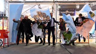 Les officiels crèvent l'écran pour ouvrir New Port Expo