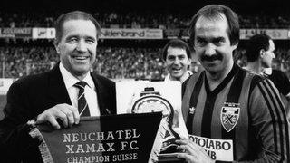 En 1993, Givens succède à Stielike à Xamax