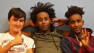 De jeunes réfugiés se livrent par le biais de photos et de vidéo dans les murs de l'ABC à La Chaux-de-Fonds